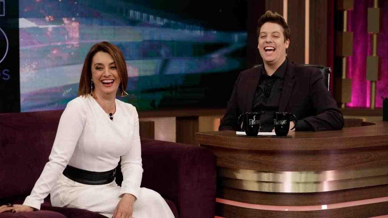 Catia Fonseca e Fábio Porchat nos bastidores da gravação do especial (Foto: Antonio Chahestian/Record TV)