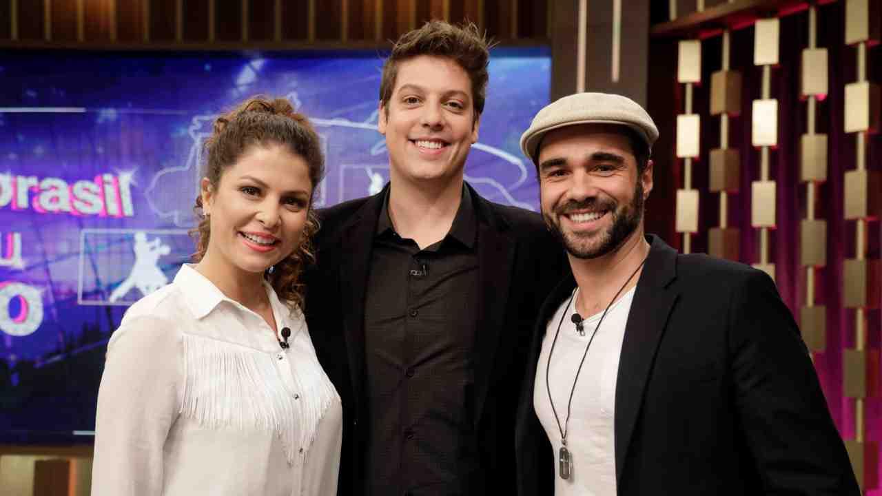 Bárbara Borges e Beto Marden com Fábio Prochat (Foto: Antonio Chahestian/Record TV)