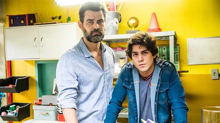 Rafael (Carmo Dalla Vecchia) e Alex (Daniel Rangel