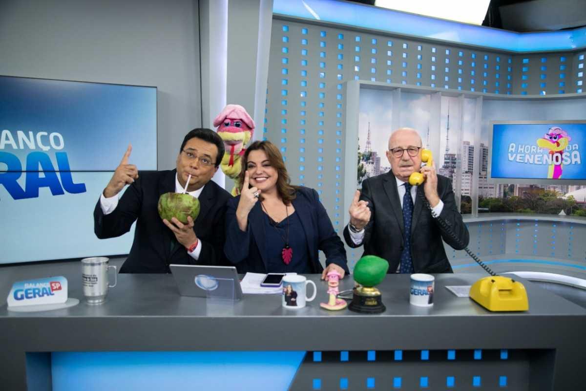 Geraldo Luís, Fabíola Reipert e Renato Lombardi comemoram a liderança do Balanço geral SP