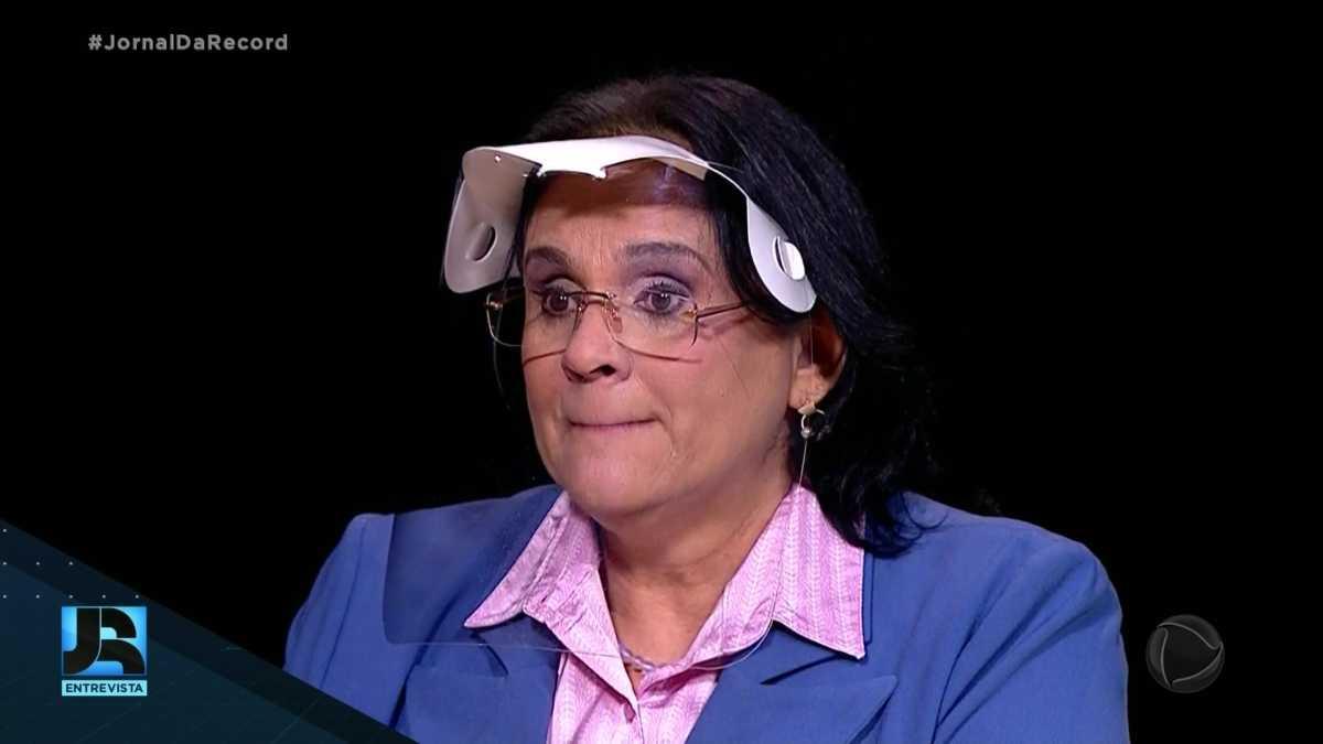 No JR Entrevista, Ministra Damares Alves chora ao falar de casos de abusos contra crianças