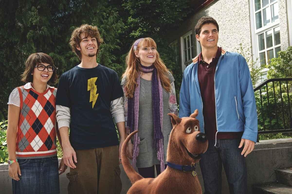 Cena do Filme Scooby-Doo! O Mistério Começa
