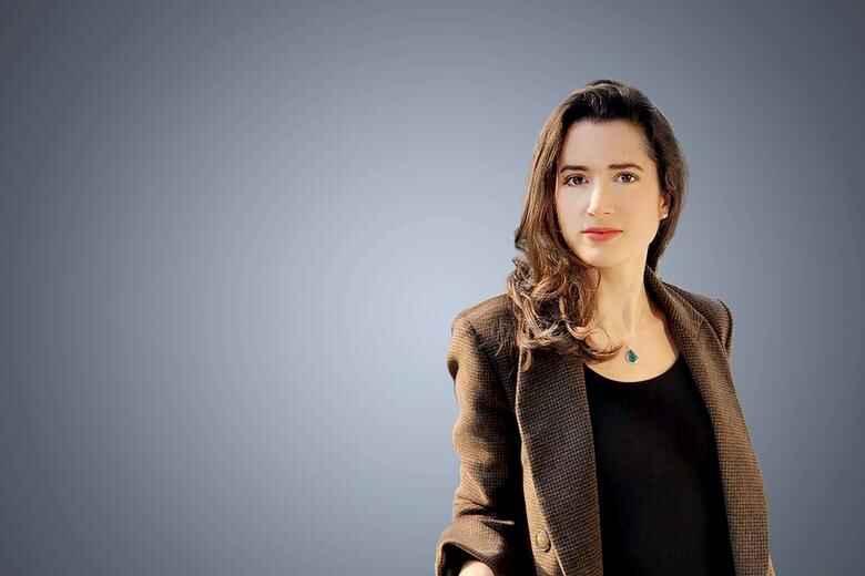 Pôster da correspondente Luiza Duarte na página oficial da CNN Brasil