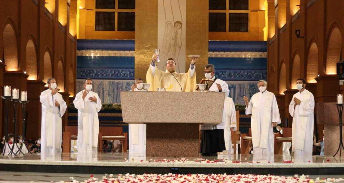 Missa de Encerramento da Festa de Nossa Senhora Aparecida, transmitida pela TV Aparecida e que registrou alta audiência