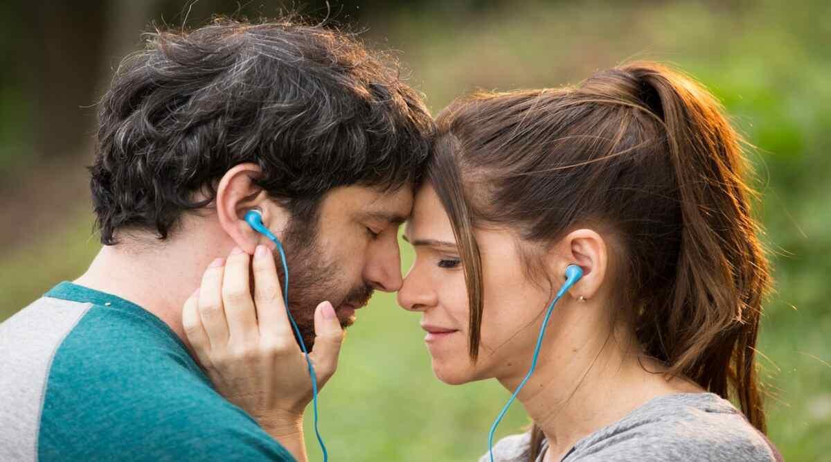 Cena do filme Um Namorado Para Minha Mulher, exibido pela Globo na Sessão da Tarde