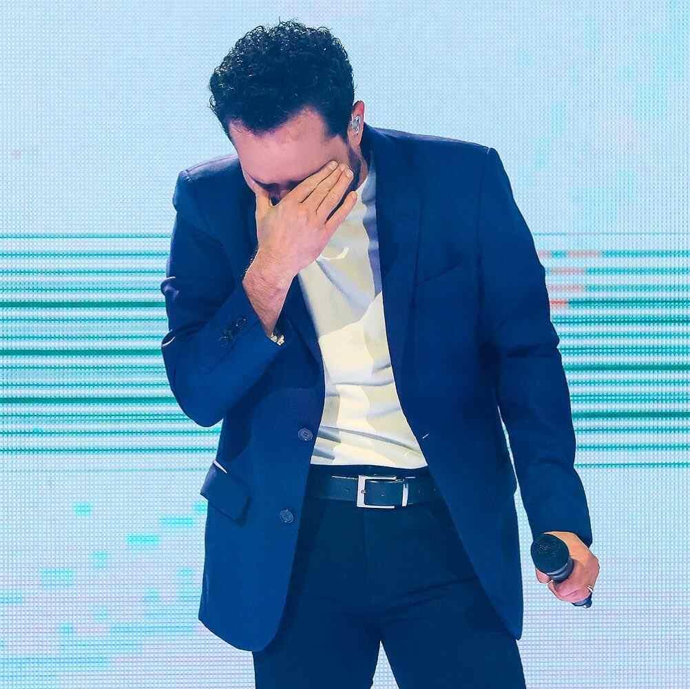 Luciano Camargo chora durante gravação do show A Ti Entrego